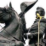 Encuentra los monumentos que están cayendo en el mundo para reescribir la historia